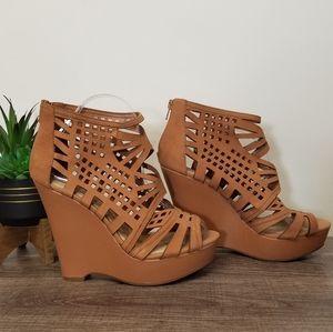 Gianni Bini Wedges Genuine Leather Tan 8.5